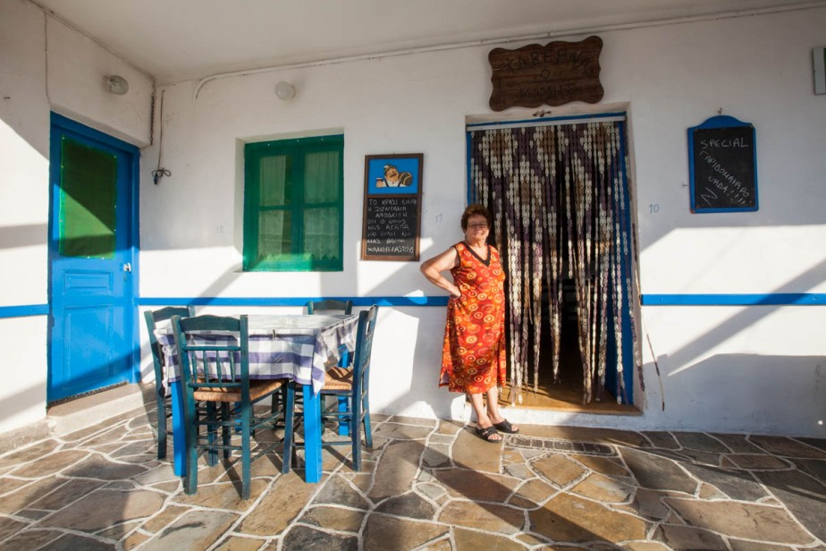 Folegandros-GrannysMatsata-WEB-0524
